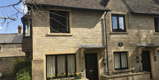 Guide Price £147,000, 1 Bedroom Flat For Sale in Tetbury, GL8