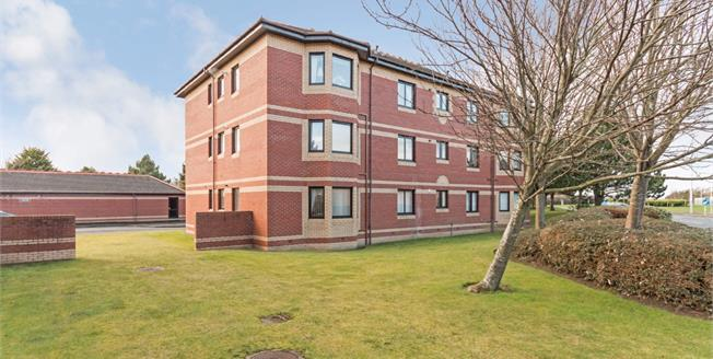 Offers Over £130,000, 2 Bedroom Ground Floor Flat For Sale in Prestwick, KA9