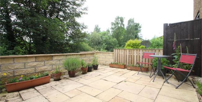 Offers Over £80,000, 2 Bedroom Ground Floor Flat For Sale in Larbert, FK5