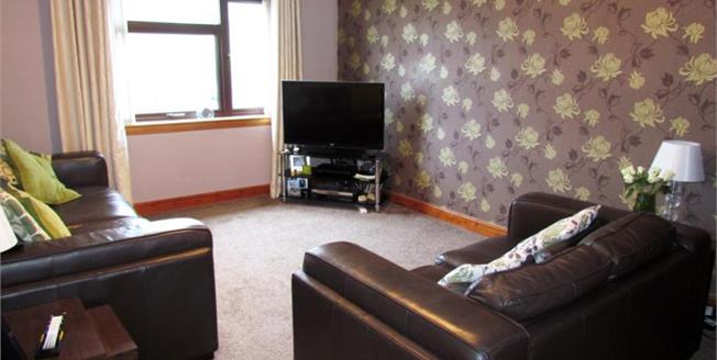 Offers Over £59,995, 2 Bedroom Upper Floor Flat For Sale in Greenock, PA15