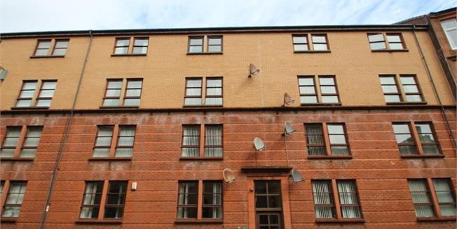 Offers Over £69,999, 2 Bedroom Ground Floor Flat For Sale in Greenock, PA15