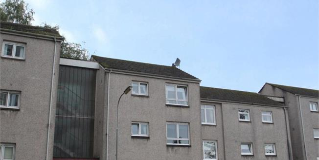 Offers Over £39,000, 1 Bedroom Upper Floor Flat For Sale in Port Glasgow, PA14
