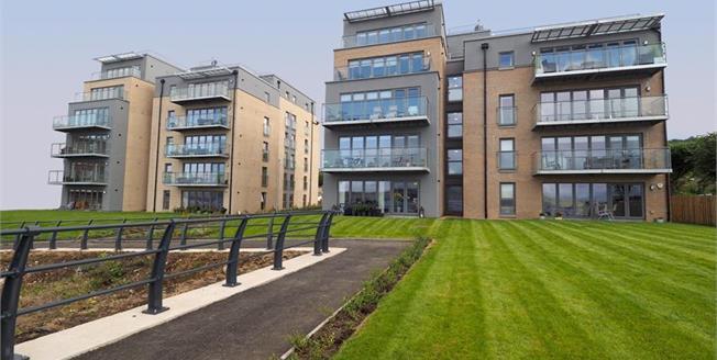 £173,000, 2 Bedroom Flat For Sale in Eldon Street, PA16