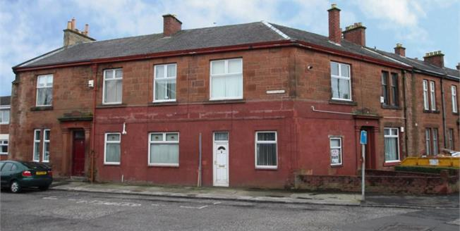 Offers in the region of £59,950, 3 Bedroom Ground Floor Flat For Sale in Kilmarnock, KA1