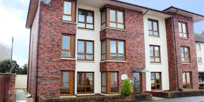 Offers Over £105,000, 2 Bedroom Ground Floor Flat For Sale in Largs, KA30