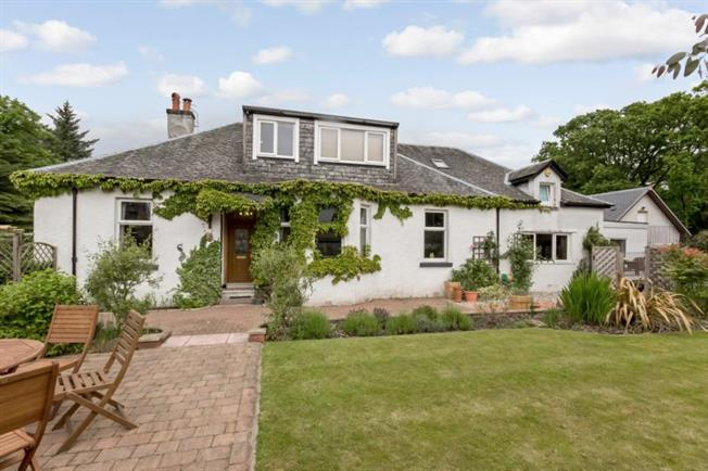 6 bedroom detached house for sale in skelmorlie for offers over 375000 - 6 Bedroom House For Sale