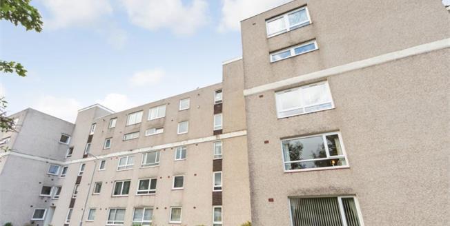 Offers Over £125,000, 3 Bedroom Upper Floor Flat For Sale in Largs, KA30