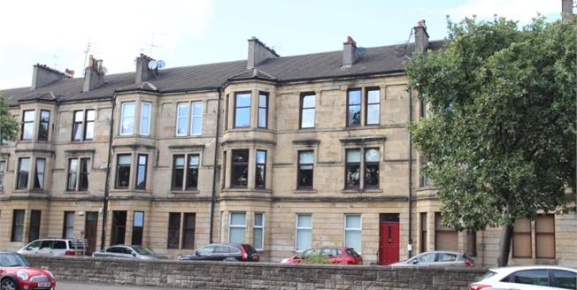 Offers Over £149,995, 3 Bedroom Upper Floor Flat For Sale in Paisley, PA1