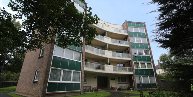 Fixed Price £124,000, 2 Bedroom Upper Floor Flat For Sale in Glasgow, G41
