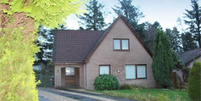 Offers Over £245,000, 4 Bedroom Detached House For Sale in Dollar, FK14