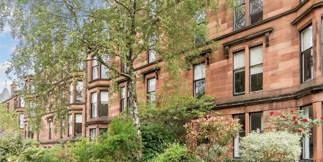 Fixed Price £349,000, 4 Bedroom Flat For Sale in Glasgow, G20