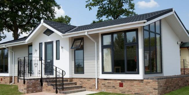 Guide Price £115,000, 2 Bedroom Mobile Home For Sale in Cornwall, PL22