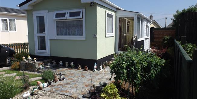 Asking Price £70,000, 1 Bedroom Detached Bungalow For Sale in North Roskear, TR14