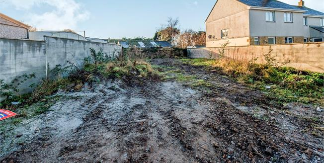 Asking Price £134,950, 3 Bedroom Semi Detached House For Sale in Cornwall, TR14