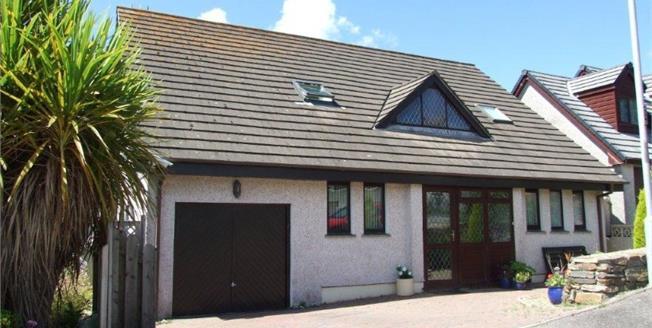 £390,000, For Sale in Penryn, TR10