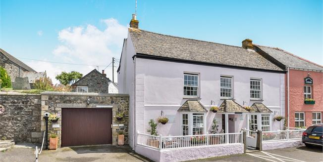 £535,000, 5 Bedroom Semi Detached House For Sale in St. Keverne, TR12