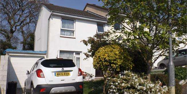 Asking Price £207,000, 3 Bedroom Semi Detached House For Sale in Falmouth, TR11