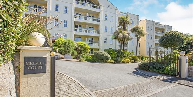 Guide Price £350,000, 2 Bedroom Flat For Sale in Falmouth, TR11