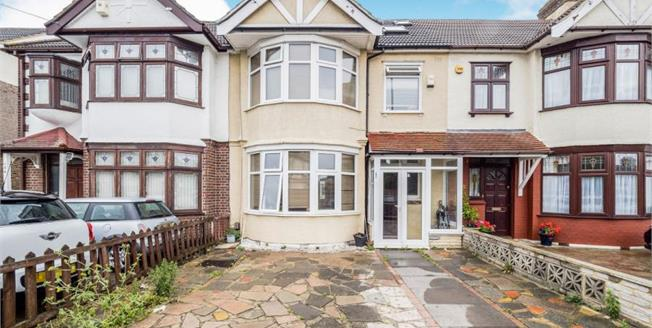 Guide Price £500,000, 4 Bedroom Terraced House For Sale in Ilford, IG3