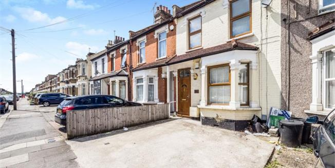 Guide Price £425,000, 3 Bedroom Terraced House For Sale in Ilford, IG3