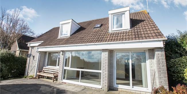 Asking Price £220,000, 3 Bedroom Detached House For Sale in Liskeard, PL14