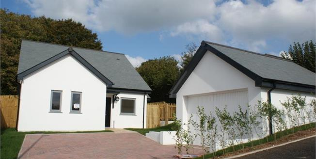 £279,950, 3 Bedroom Detached Bungalow For Sale in Liskeard, PL14