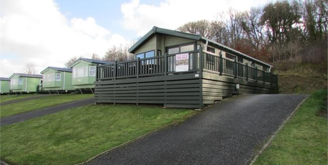 £130,000, 2 Bedroom Detached Mobile Home For Sale in Newquay, TR8