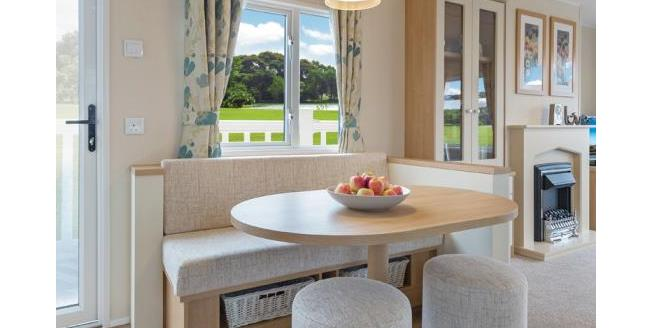 £49,995, 2 Bedroom Detached Mobile Home For Sale in Newquay, TR8