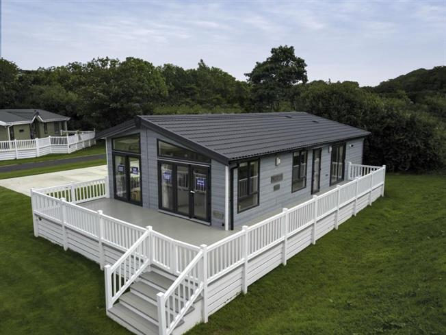 2 Bedroom Detached Mobile Home For Sale In Newquay For 150 546
