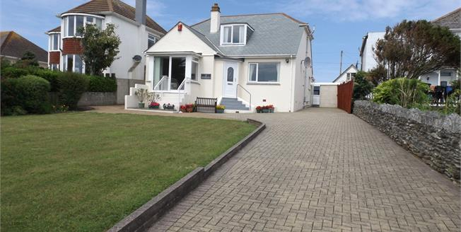 Asking Price £425,000, 3 Bedroom Detached Bungalow For Sale in Newquay, TR7