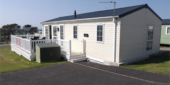 Asking Price £119,950, 2 Bedroom Detached Mobile Home For Sale in Newquay, TR8
