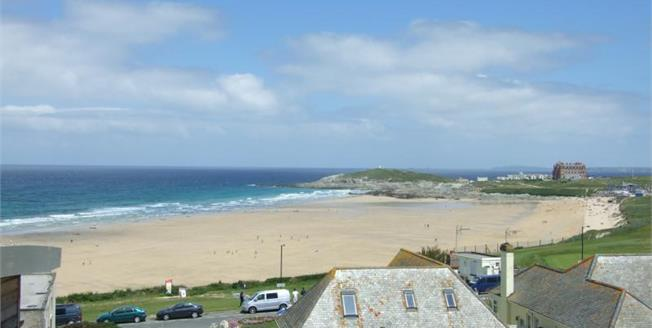 £280,000, 2 Bedroom Flat For Sale in Newquay, TR7