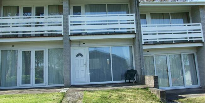 £45,000, 2 Bedroom Terraced House For Sale in Newquay, TR8