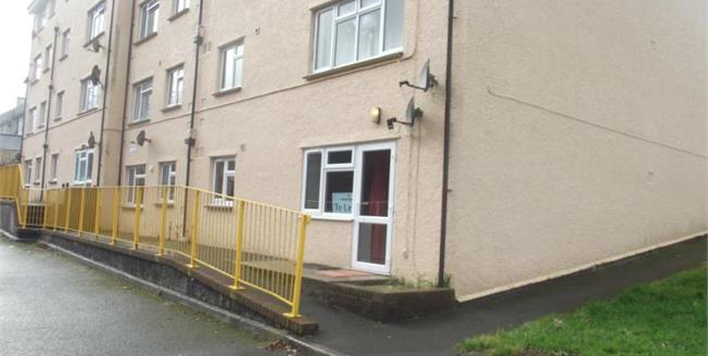 £80,000, 2 Bedroom Flat For Sale in Camelford, PL32