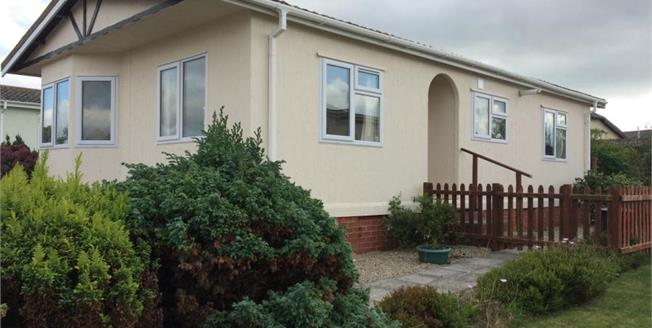 Fixed Price £69,950, 2 Bedroom Detached Mobile Home For Sale in St. Merryn, PL28