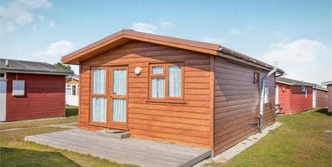 £55,000, 2 Bedroom Detached Bungalow For Sale in St. Merryn, PL28