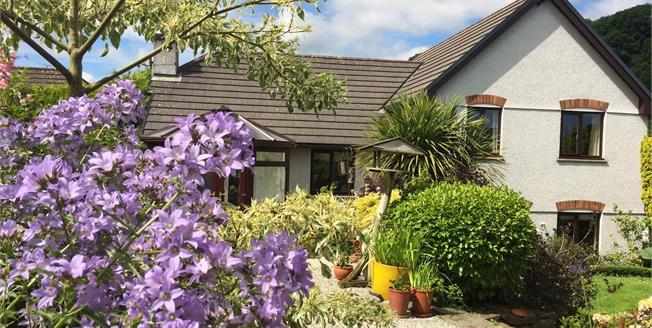 Offers in the region of £387,500, 4 Bedroom Detached House For Sale in Wadebridge, PL27