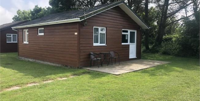Guide Price £47,000, 2 Bedroom Detached Bungalow For Sale in St. Merryn, PL28