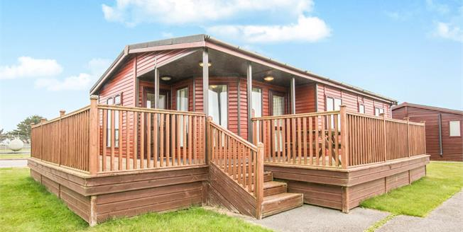 Asking Price £62,500, 3 Bedroom Detached Mobile Home For Sale in Nr Padstow, PL28