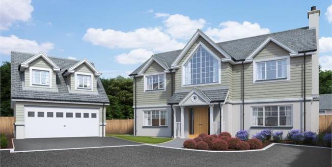 £615,000, 4 Bedroom Detached House For Sale in Hawkers Reach, PL28