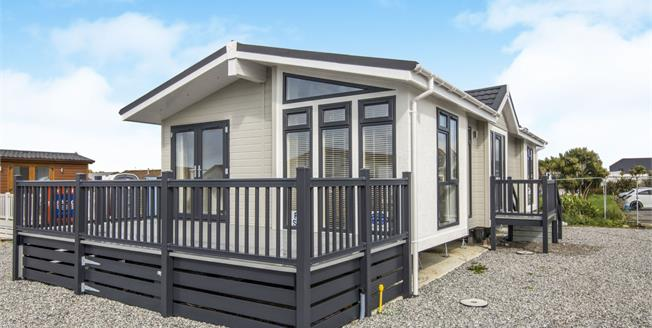 Guide Price £140,000, 3 Bedroom Detached Bungalow For Sale in Padstow, PL28