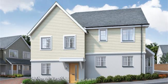 £300,000, 3 Bedroom House For Sale in Hawkers Reach, PL28