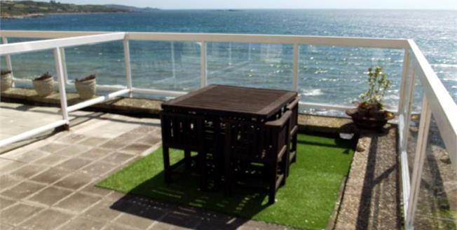 £296,950, 2 Bedroom Ground Floor Flat For Sale in Marazion, TR17