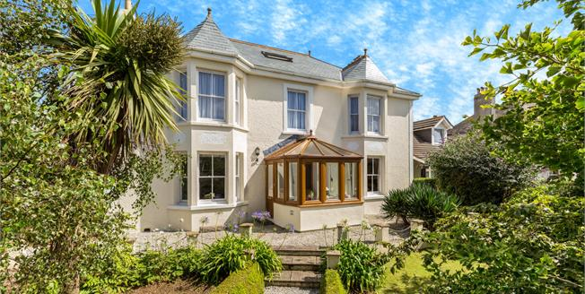 Asking Price £469,950, 4 Bedroom Detached House For Sale in Hayle, TR27
