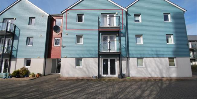 Offers in excess of £102,000, 1 Bedroom Upper Floor Flat For Sale in Redruth, TR15