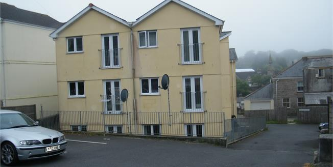 Guide Price £99,950, 2 Bedroom Flat For Sale in Redruth, TR15
