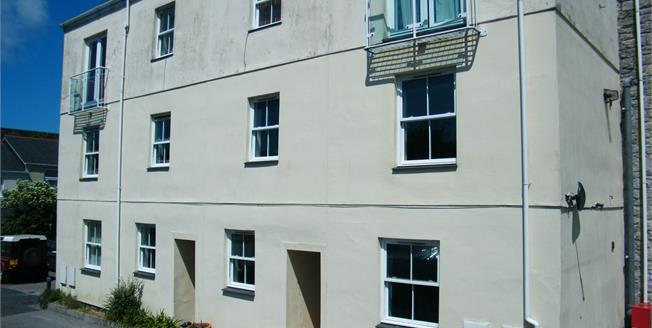 Guide Price £150,000, 3 Bedroom Maisonette For Sale in Redruth, TR15