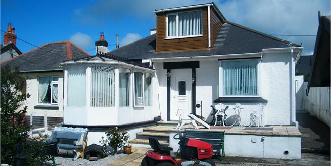 Guide Price £145,000, 2 Bedroom Detached Bungalow For Sale in Redruth, TR15