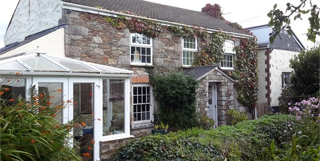 Guide Price £379,000, 3 Bedroom Detached Cottage For Sale in Scorrier, TR16