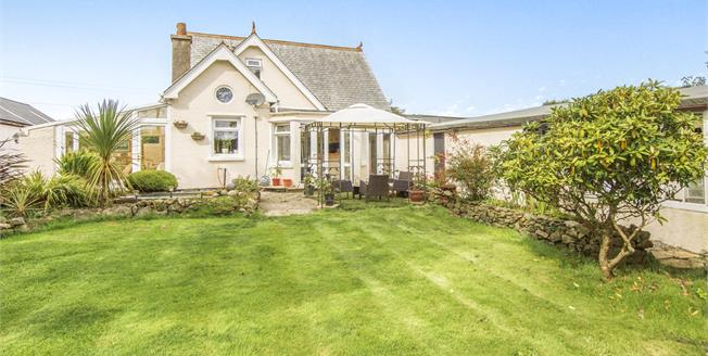Asking Price £400,000, 4 Bedroom Detached House For Sale in Cornwall, TR16